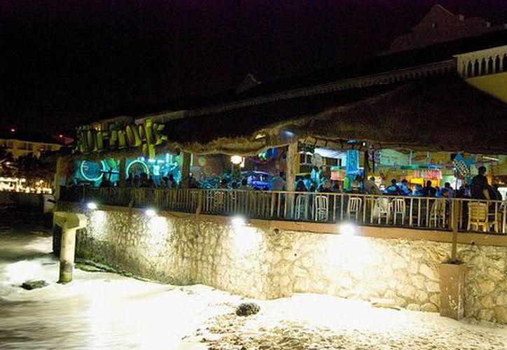 Los dueños de bares y discotecas esperan cerrar el año con buenas cifras. (farm4.static.flickr.com)