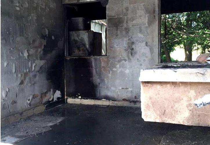 La asociación sufrió pérdidas a causa del incendio. (Yajahira Valtierra/SIPSE)