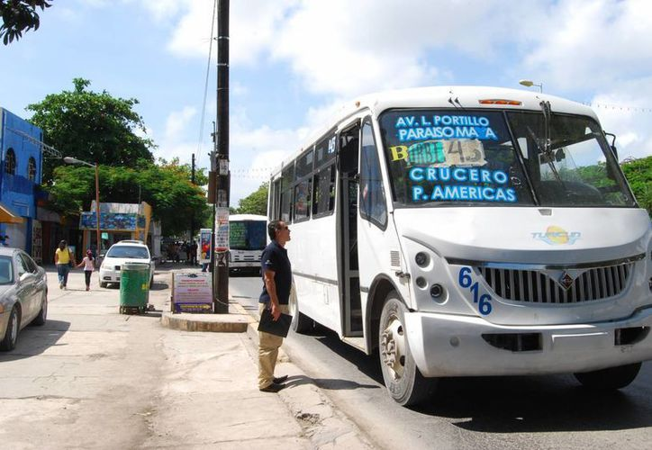 Las tarifas quedaron en 7 pesos para la zona urbana y 9.50 para la zona hotelera. (Tomás Álvarez/SIPSE)