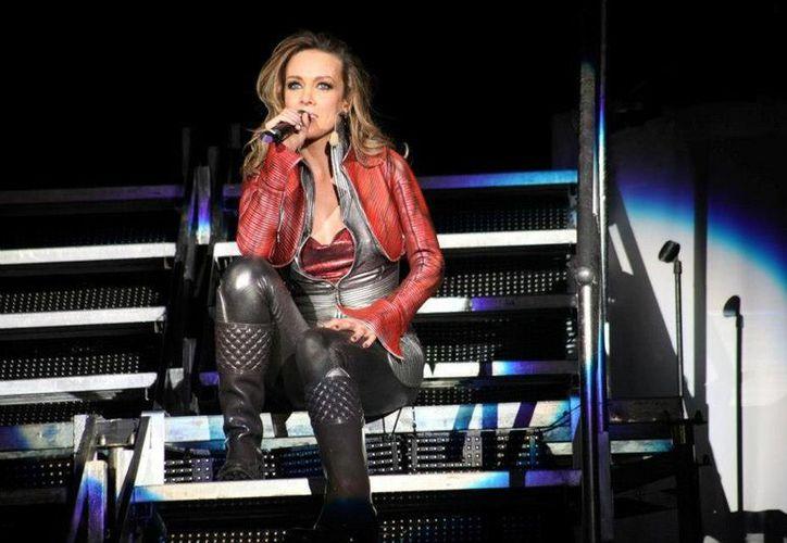 Fey  participó recientemente en los Premios Texas 2013, en el Moody Theater de ACL Live, de Austin. (facebook.com/Fey.oficial)