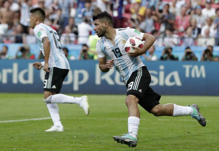 Sergio 'Kun' Agüero aún tiene ganas de defender la camiseta de Argentina (Foto: AP)