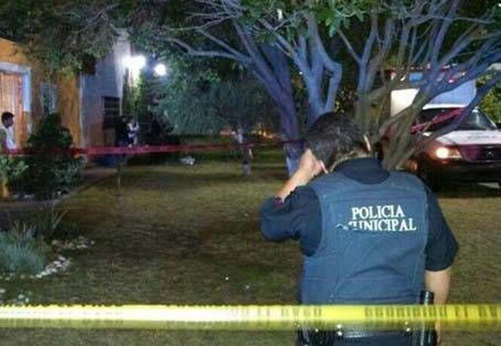 Las unidades de emergencia  acudieron a la colonia San Manuel, esto en Río Nazas esquina con Circunvalación, lugar donde fue el asesinato. (Daniel Hernández/Milenio)