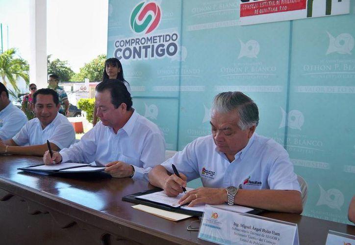 El convenio se firmó en el domo del Parque de la Alameda de la capital del estado. (Cortesía/SIPSE)