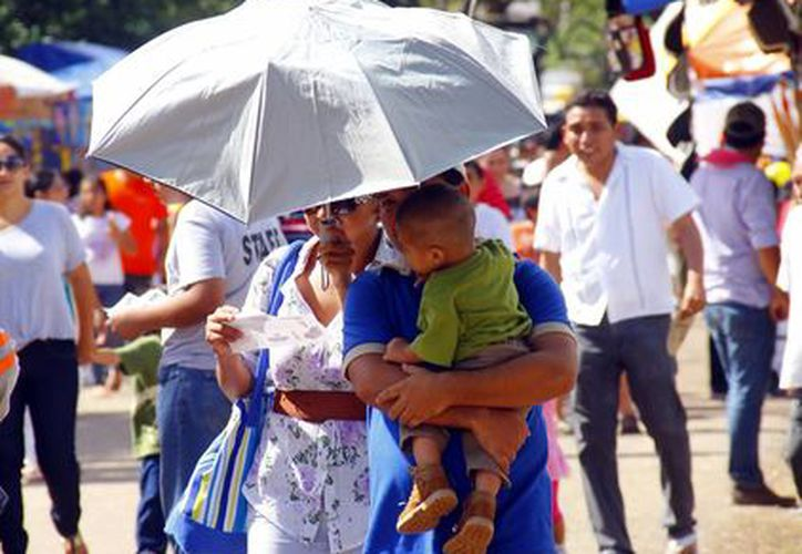 Al mediodía del domingo se registró mucho calor. (Juan Albornoz/SIPSE)
