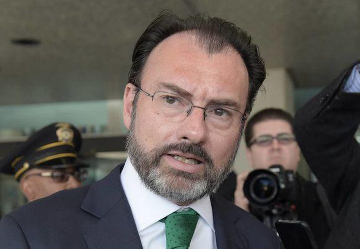 Videgaray habría sugerido cambios al discurso en el que Trump anunció el muro en la frontera con México. (Notimex)
