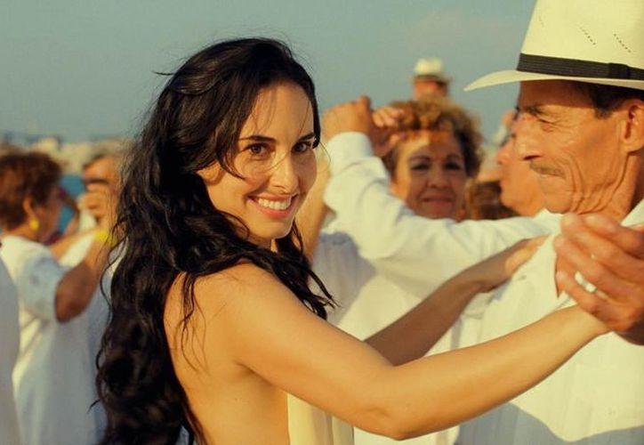 En el filme Ana Serradilla trata de lograr el éxito en Los Angeles, pero regresa a su natal Guanajuato. (SIPSE)