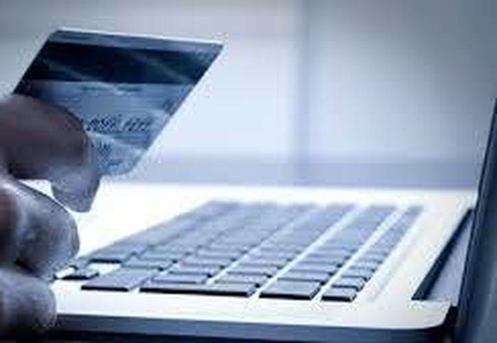 Advierten a los usuarios nunca ingresar contraseñas, sobre todo bancarias, en sitios web que llegan por correo electrónico o chat. (proyecto40.com)