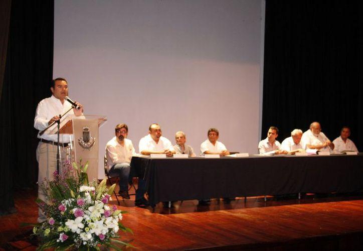 Barrera Concha reveló parte de los eventos a realizarse. (Theani Ruz/SIPSE)