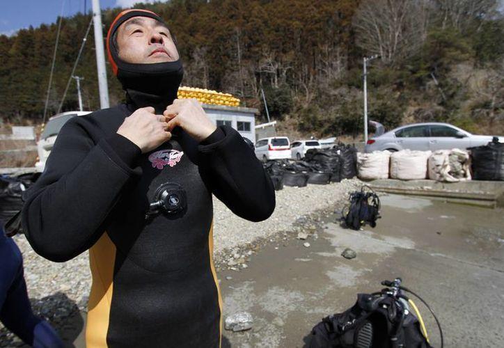 Takamatsu requiere más experiencia antes de sumergirse a búsquedas más extensas en el mar japonés. (Agencias)