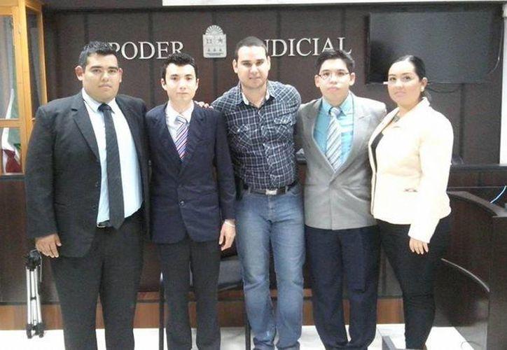 Miguel Avilés, Rosalía Teresa Avilés, Leyver Abros y Héctor Guevara, son los estudiantes que representarán a Quintana Roo. (Benjamín Pat/SIPSE)