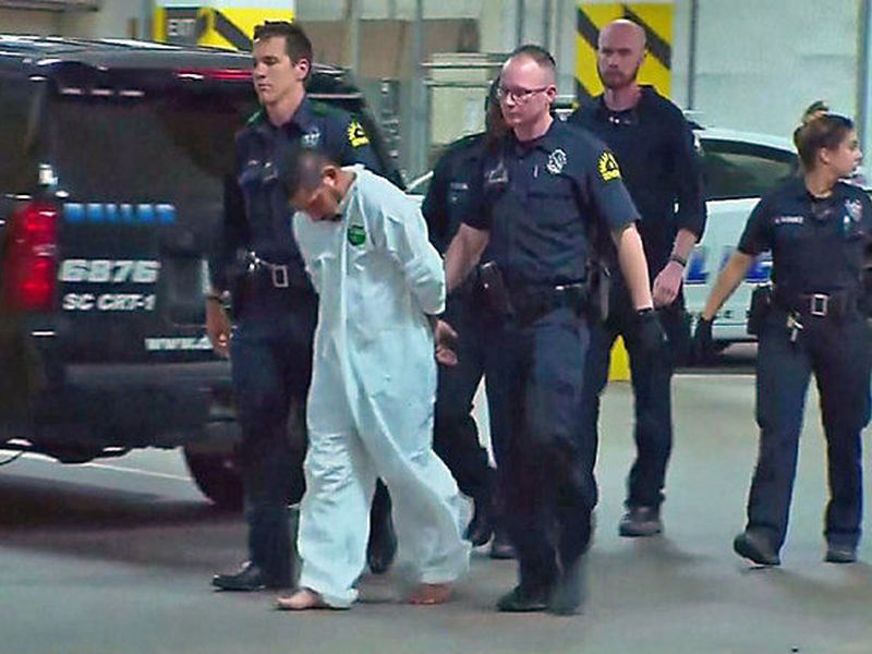 Armando Luis Juarez, 29, is accused of shooting two Dallas police officers and a Home Depot employee. (Internet)