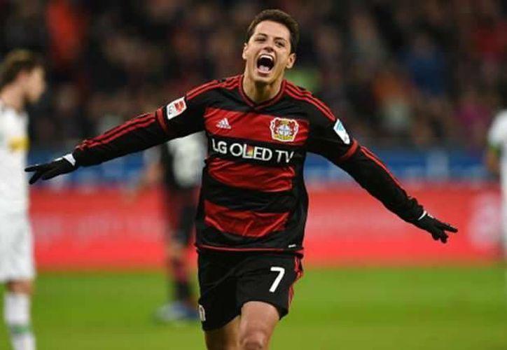 Javier Hernández confesó que le hubiera gustado tener más participación con sus clubes anteriores.(AP)
