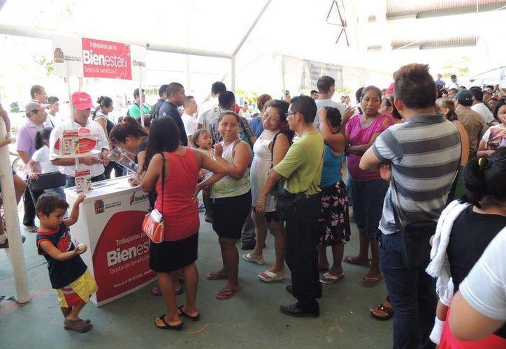 La Secretaría de Desarrollo Social e Indígena ha apoyado a casi la mitad de la población quintanarroense. (Claudia Martín/SIPSE)