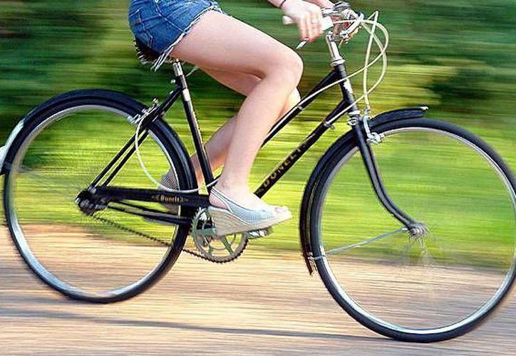 Manejar brinda múltiples beneficios a la salud, además de que es un transporte ahorrador. (Contexto/Internet)