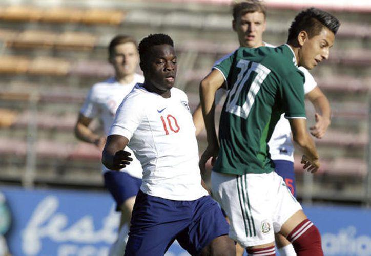 México perdió agresividad e Inglaterra tomó las riendas del partido. (Foto: Marca)