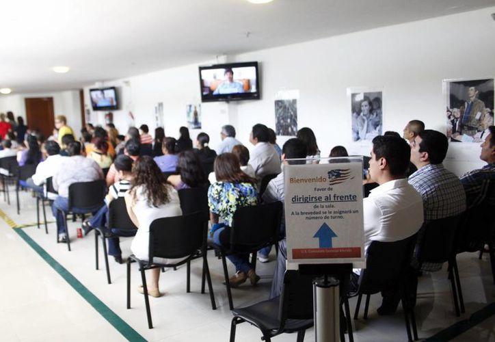 En esta época navideña aumenta la solicitud de visas en el consulado. (Milenio Novedades)