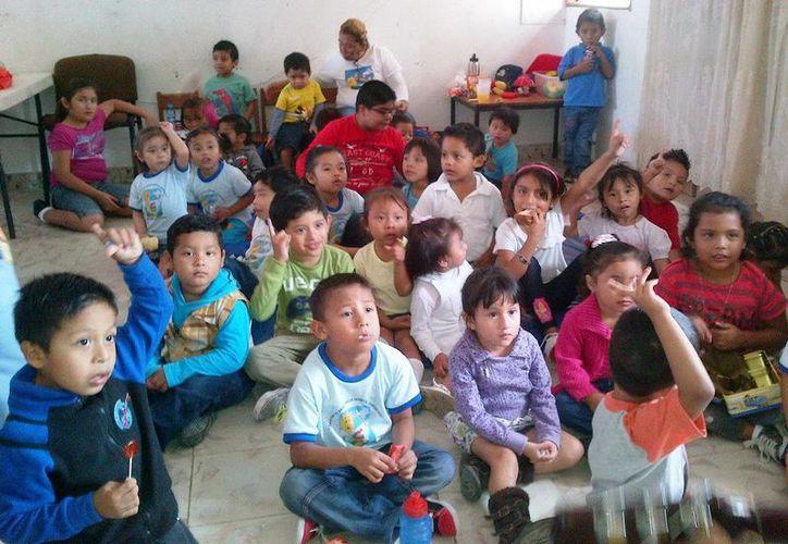 326 niños recibieron las pláticas. (Cortesía/SIPSE)
