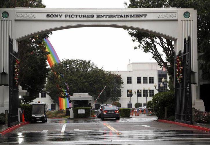 Imagen de las instalaciones sede de Sony Pictures Entertainment en Culver City, California. Corea del Norte niega la responsabilidad de un ataque la semana pasada que interrumpió el sistema informático de Sony y arrojó información confidencial en Internet. (Agencias)