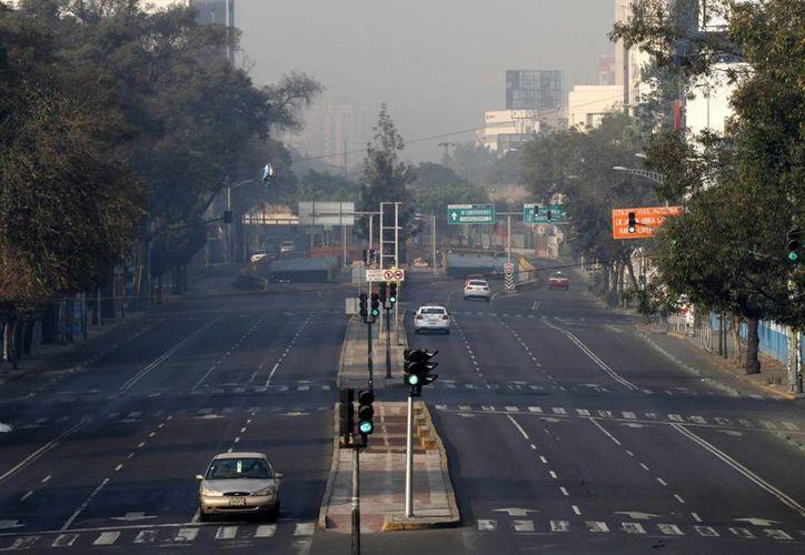 La precontingencia ambiental en el Valle de México se mantendrá hasta que mejoren las condiciones de la atmósfera. (Notimex)