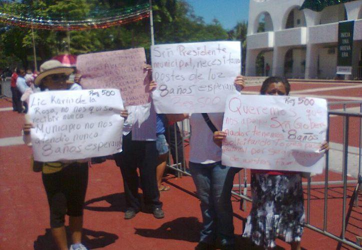 La petición fue efectuada durante la toma de protesta de Paul Carrillo de Cáceres. (Tomás Álvarez/SIPSE)