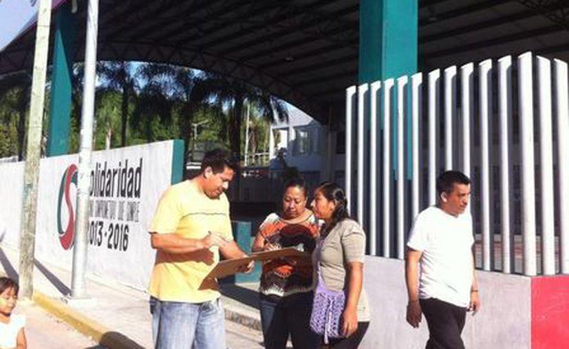 Vecinos de la colonia Colosio emprenden acciones para mermar el consumo de drogas en la zona. (Octavio Martínez/SIPSE)