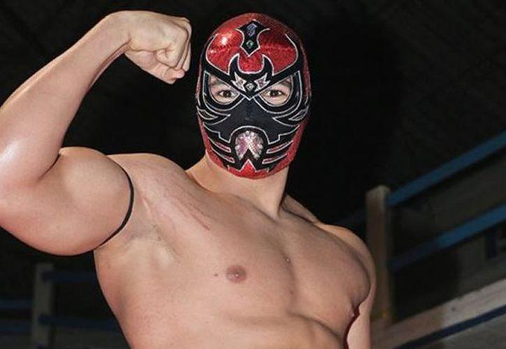 El luchador regiomontano, Último Ninja, se despidió este domingo de la promotora Revolucha y la afición regia. (Foto: Interacción)