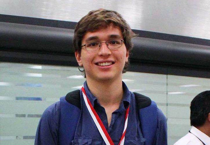 Andrés Fernández Macías, ganador de la medalla de oro. (amc.unam.mx)