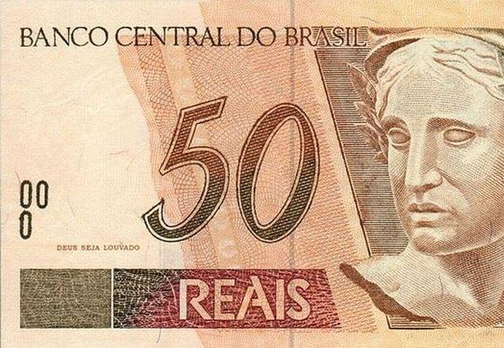"""La fiscalía del estado de Sao Paulo extendió plazo de 120 días para que los billetes comiencen a ser impresos sin la frase """"Alabado sea Dios"""". (dviglione.blogspot.com)"""