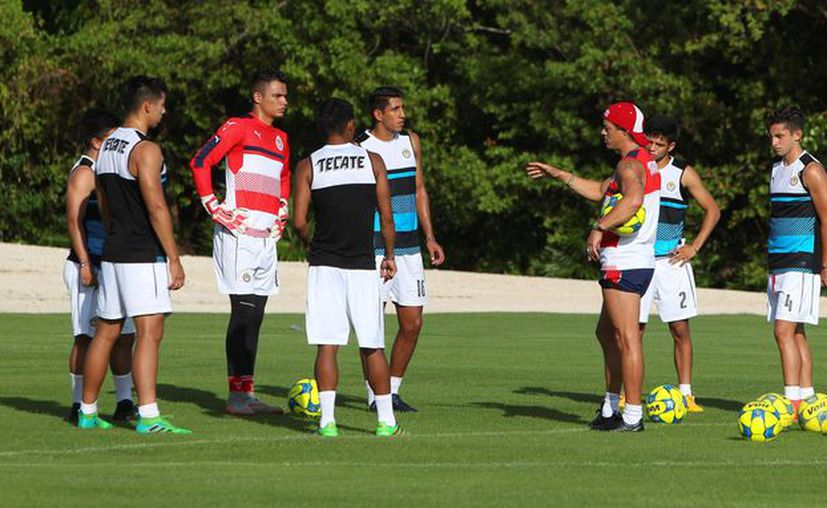 Chivas viajará rumbo a Estados Unidos, para enfrentar a Santos en partido amistoso. (Ángel Villegas/SIPSE)