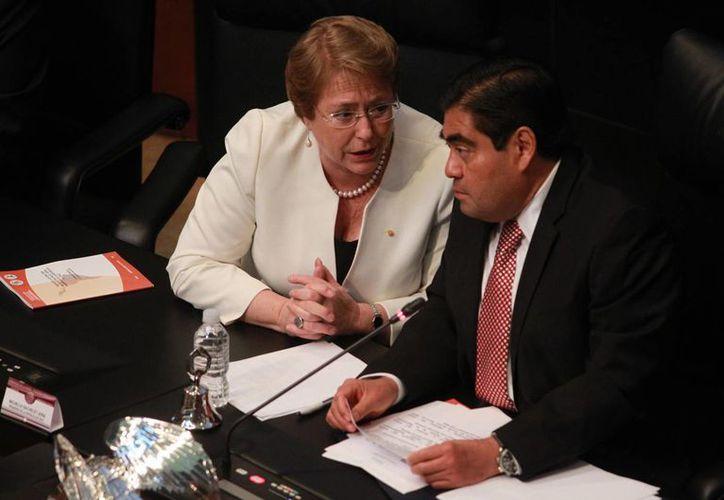 Durante el recibimiento a Michelle Bachelet realizada en el Salón de Sesiones del Senado, Miguel Ángel Barbosa, afirmó que Latinoamérica debe enfrentar desafíos en unidad. (Notimex)