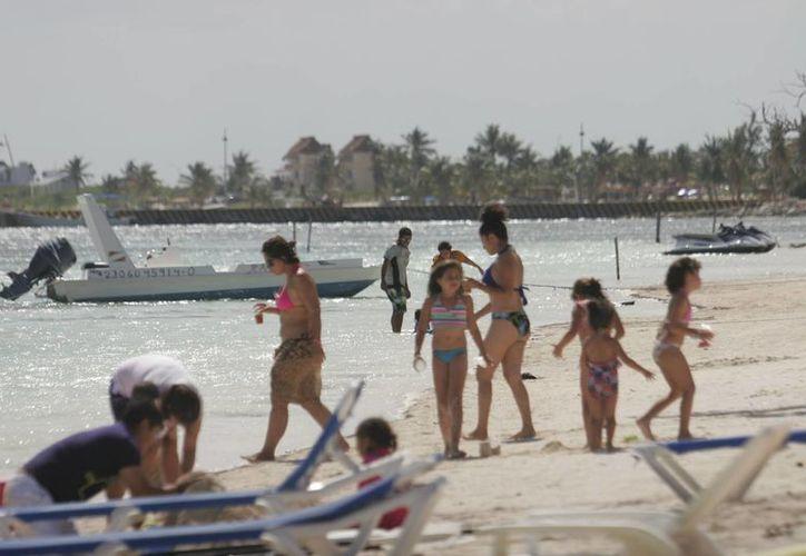 Autoridades reforzarán las actividades recreativas de la zona, principalmente la pesca deportiva, y otras actividades acuáticas, a fin de mejorar los porcentajes obtenidos en Semana Santa. (Redacción/SIPSE)