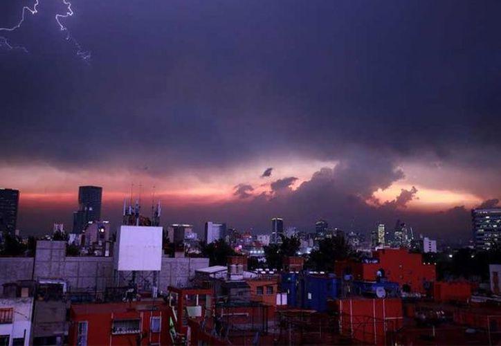 El domingo por la noche se dio por finalizada la Fase 1 de Contingencia Ambiental en la Ciudad de México. (Excélsior)