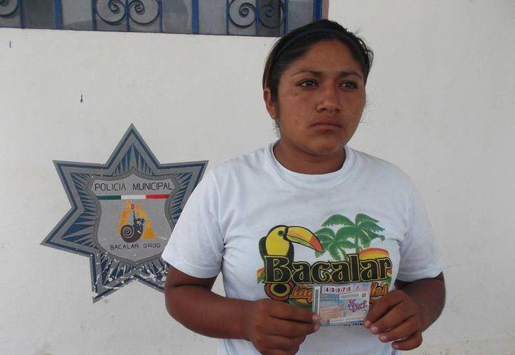 Wendi Gabriela Hernández Tamay, es detenida por segunda ocasión por falsificación de billetes de lotería. (Javier Ortíz/SIPSE)