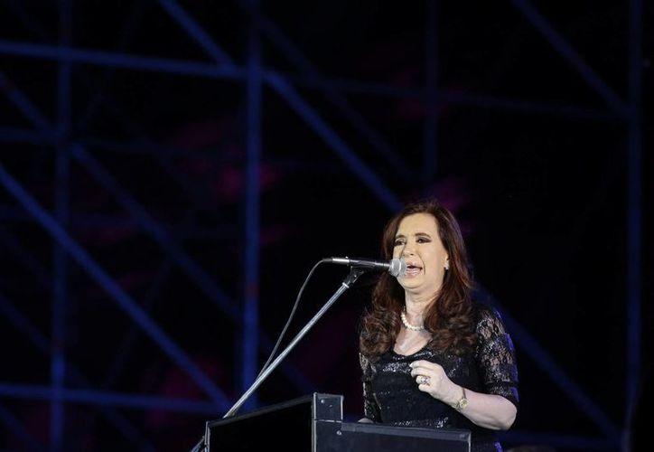 La presidenta argentina, Cristina Fernández, definió el referéndum como una parodia. (EFE)