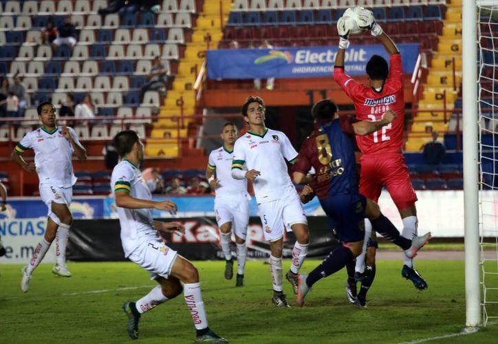 Ambos equipos tuvieron algunas llegadas, pero sin concretar el gol. (Ángel Mazariego/SIPSE)