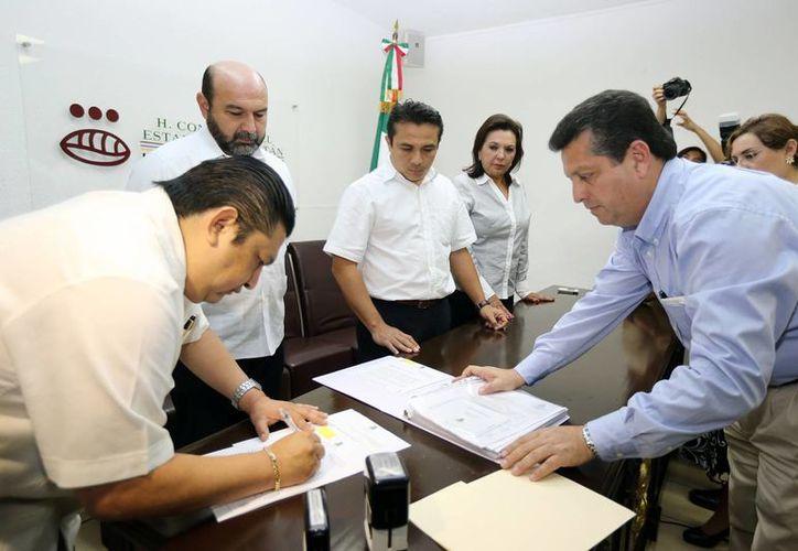 Regidores de Mérida presentaron al congreso la iniciativa de Ley. (SIPSE)