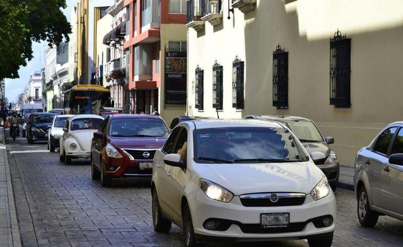 Para reemplacar en Yucatán será obligatorio contar con una póliza de seguro vigente para todos los vehículos. (Archivo/SIPSE)