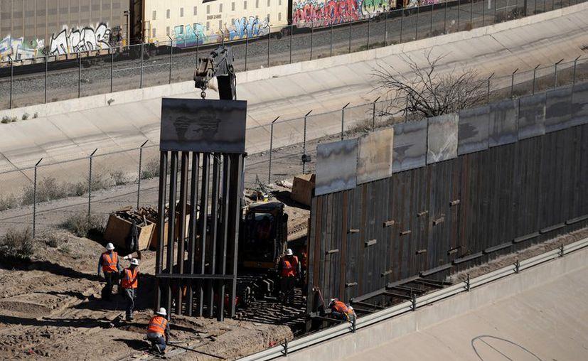 Donald Trump celebrará la construcción de las primeras 200 millas del muro fronterizo en Arizona. (Foto: AP).