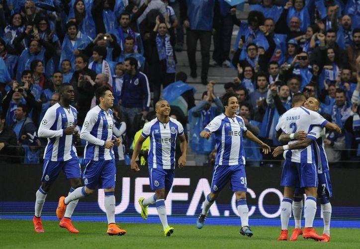 El club Oporto lanzó una propuesta para los equipos de la UEFA Champions League de realizar un donativo a favor de los inmigrantes ante la crisis humanitaria que se vive en Europa. (Archivo AP)