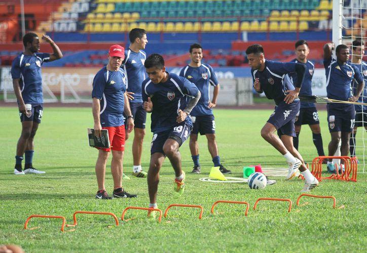 La llegada de los refuerzos motivó a los jugadores a dar lo mejor en los entrenamientos. (Redacción/SIPSE)