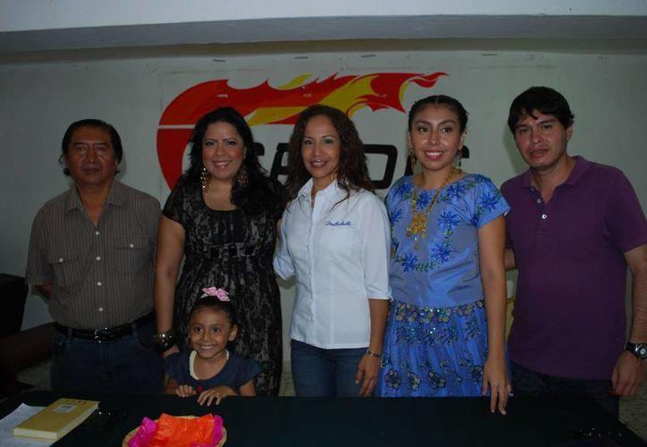 El comité organizador durante el anuncio del evento. (Tomás Álvarez/SIPSE)