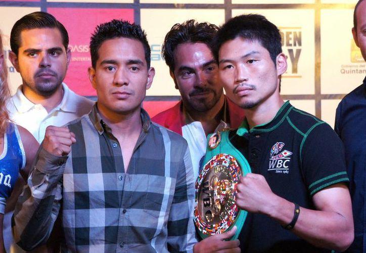 Miura expondrá ante 'Yeyo' Thompson por primera vez el título superpluma del Consejo Mundial de Boxeo. (Notimex)