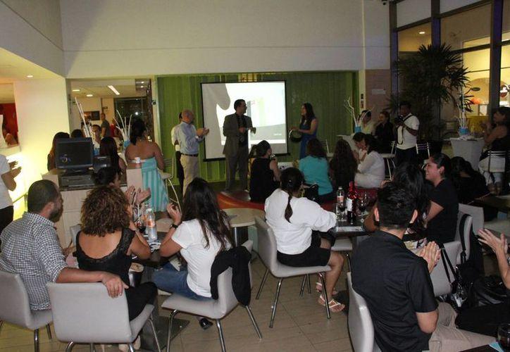 Representantes de 55 empresas intercambiaron puntos de vista en el hotel Ibis Cancún. (Tomás Álvares/SIPSE)