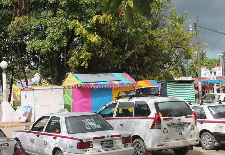 Los taxistas no están de acuerdo que se modifique la ley de transporte. (Raúl Balam/SIPSE)