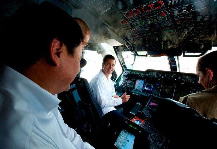 El presidente Enrique Peña Nieto clausuró la Convención Nacional de Protección Civil, en la que destacó que ésta es una de las prioridades de su gobierno. En la imagen, de uno de los aviones de apoyo a las labores de rescate. (Notimex)