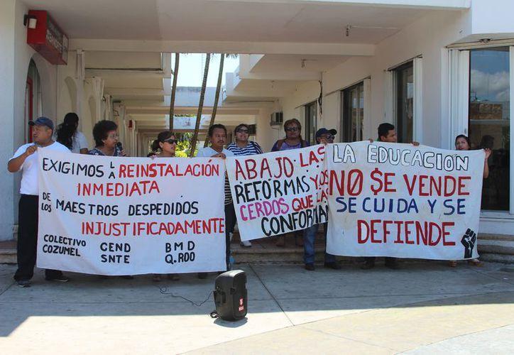De ganar, la SEyC tendrá que restablecerlos en el mismo centro laboral del que fueron separado en 2016. (Joel Zamora/SIPSE)