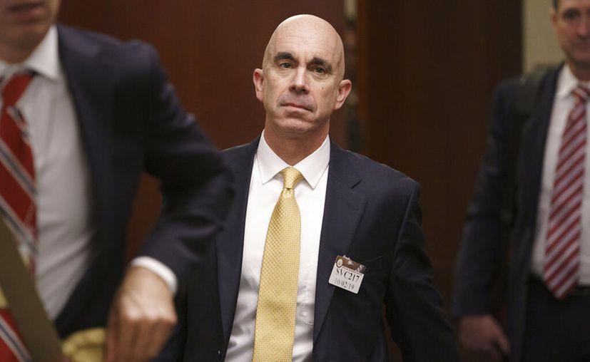 El inspector general del Departamento de Estado Steve Linick luego de salir de una reunión en el Capitolio, en Washington. (AP Foto/J. Scott Applewhite, Archivo)