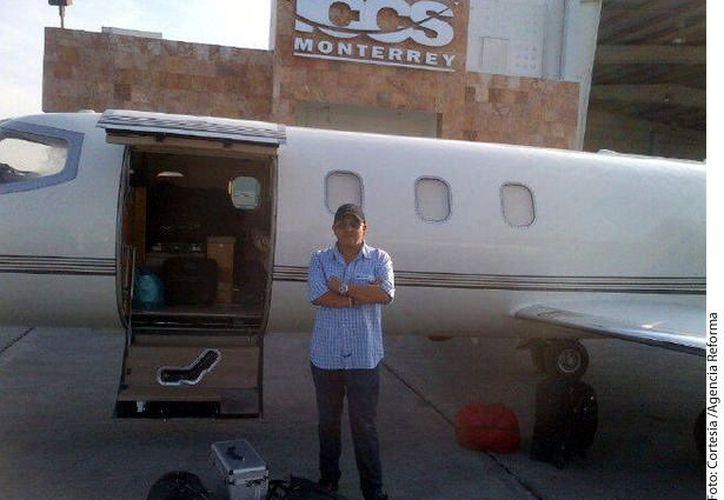Uno de los pilotos que comandaba la nave, Miguel Pérez Soto, de 78 años, no tenía autorización para transportar pasajeros. (Foto:Reforma)
