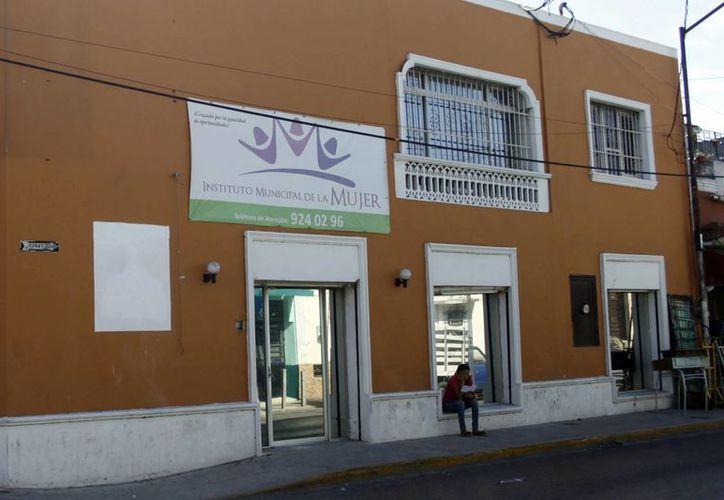 El Instituto Municipal de la Mujer realiza una campaña para que la población femenina conozca sus derechos. (Christian Ayala/SIPSE)