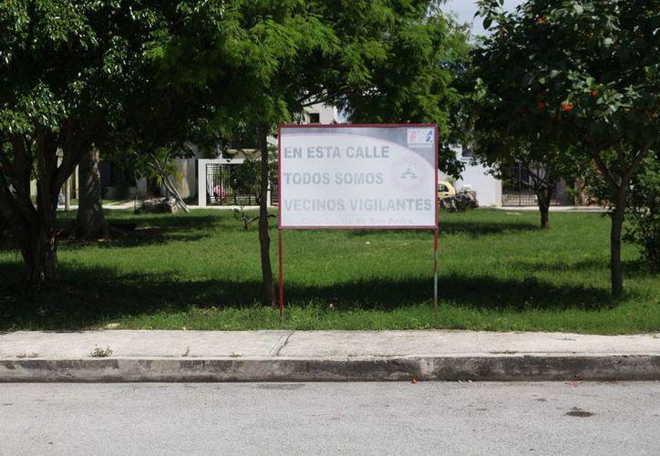 Vecinos de Santa Fe han optado por vigilar ellos mismos su colonia. (Adrián Barreto/SIPSE)